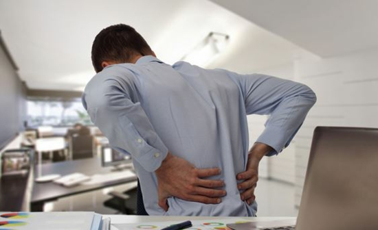 comment prévenir problèmes de dos au bureau