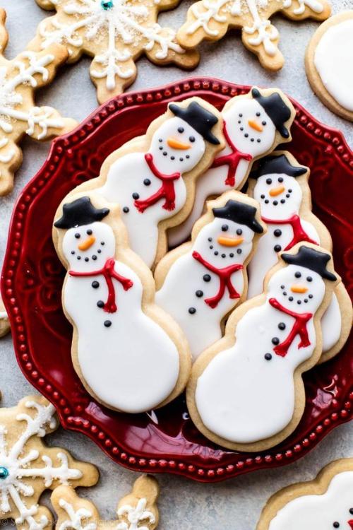 confiserie de Noël des bonhommes de neige croustillants