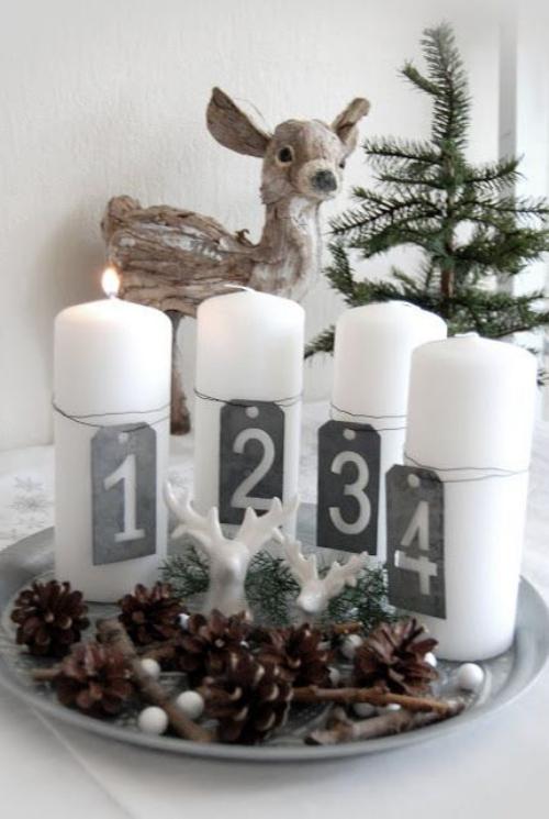 déco Noël scandinave petite biche près d'un sapin