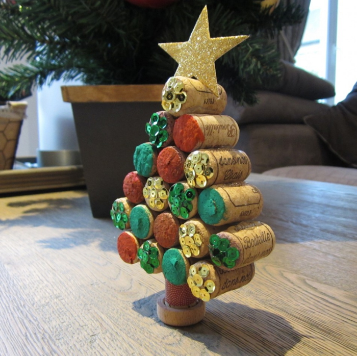 déco bouchon Noël un sapin de petite taille