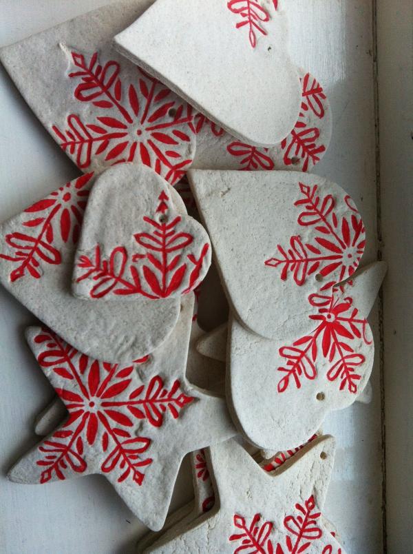 déco de Noël en pâte à sel coeurs et étoiles