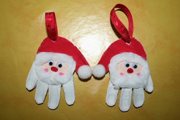 déco de Noël en pâte à sel têtes de Pères Noël