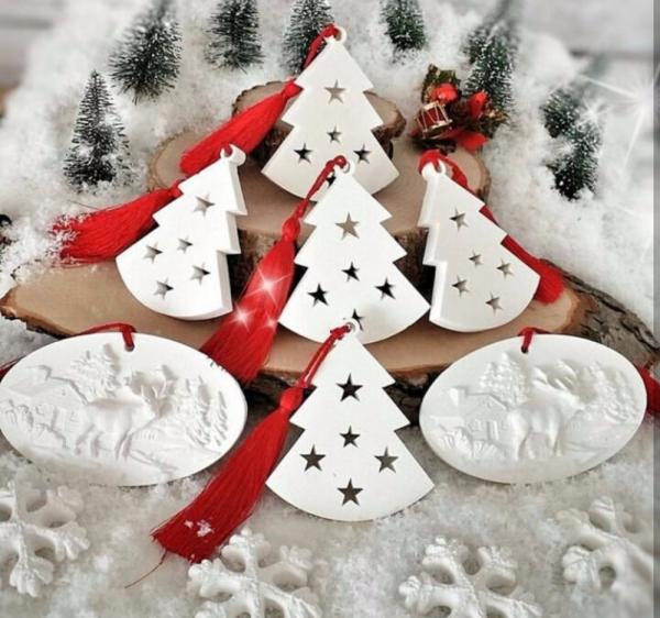 déco de Noël en pâte fimo figures blanches
