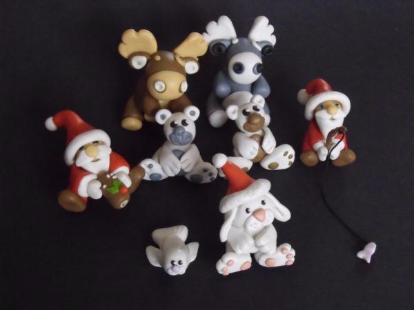 déco de Noël en pâte fimo rennes et Pères Noël