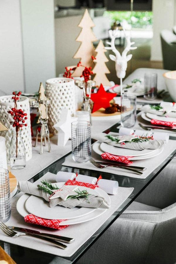 déco de table noël blanc rouge et vert