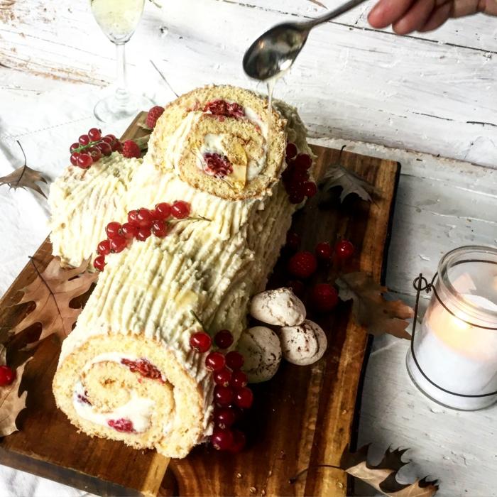 décoration bûche de noël idée avec du chocolat blanc