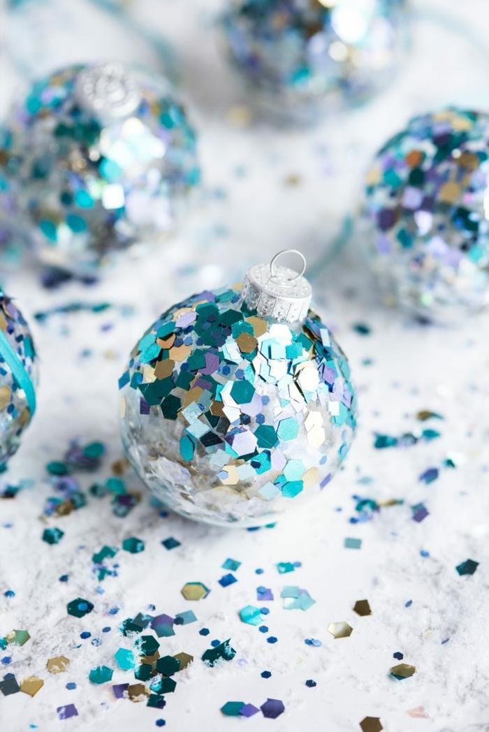 Boule de Noël transparente : 50+ idées créatives comment décorer