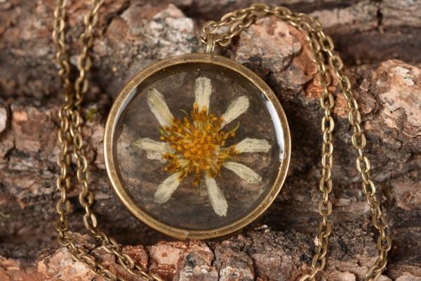 diy bijoux en résine collier fleur