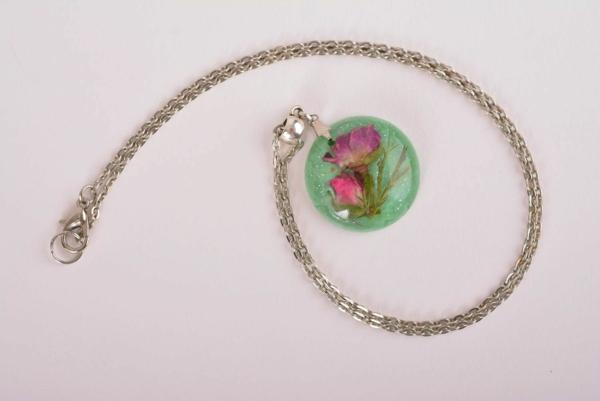 diy bijoux en résine pendentif fleur paillettes