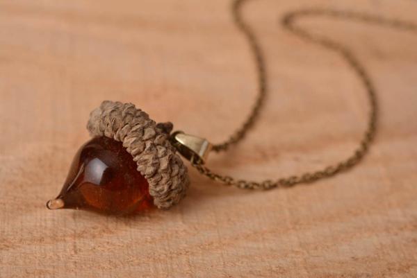 diy bijoux en résine pendentif gland