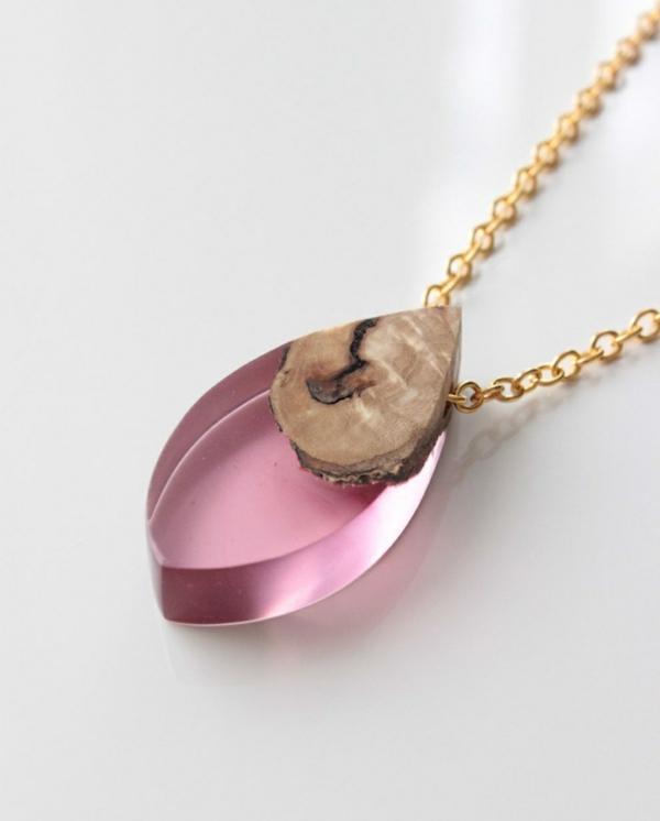diy bijoux en résine pendentif résine rose bois