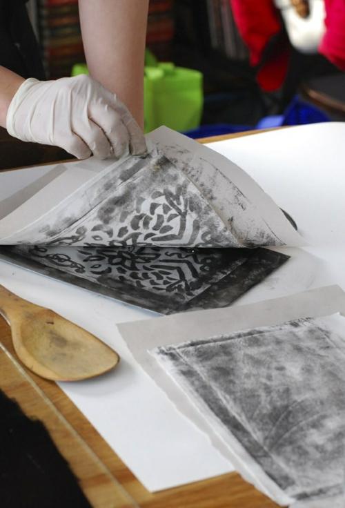 diy lithogravure sur carton activité manuelle facile
