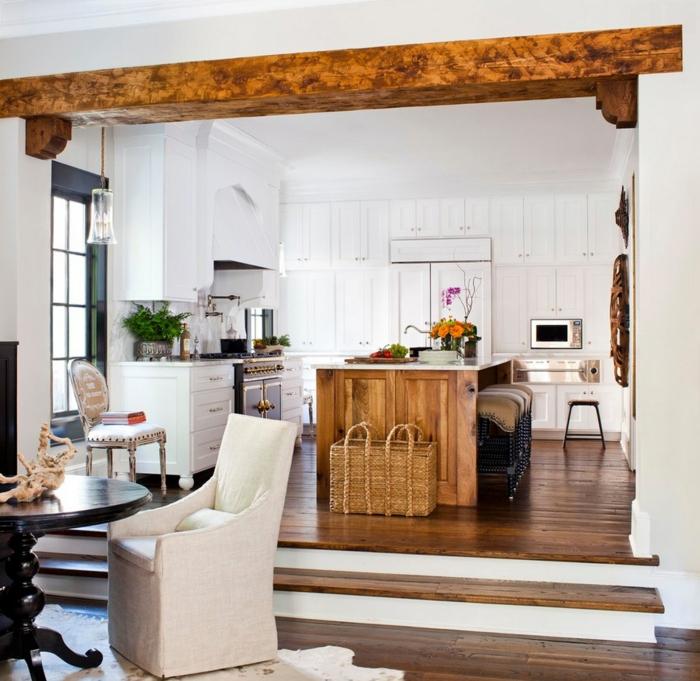 estrade en bois dans la cuisine