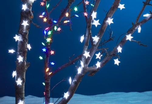 guirlande de Noël un arbre illuminé