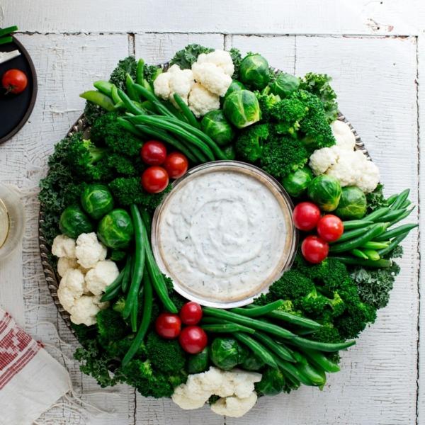 idée de couronne noël légumes sauce à l'ail