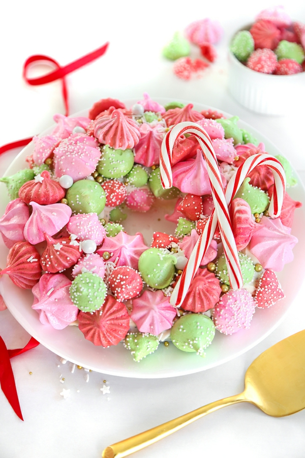 idée de couronne noël meringues cannes de sucre
