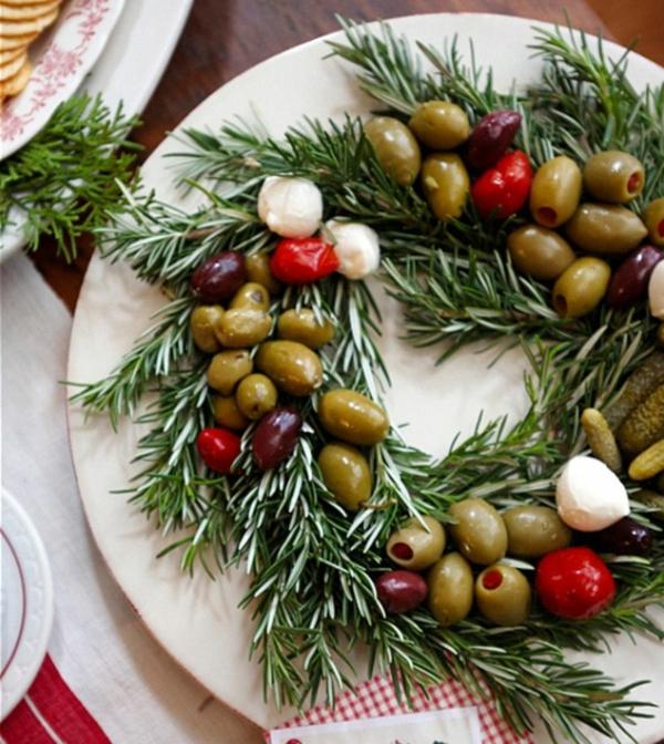 idée de couronne noël olives herbes vertes et mozzarella