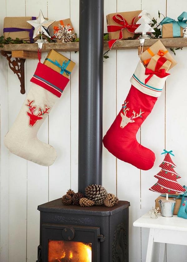 idée de déco de noël scandinave chaussettes diy