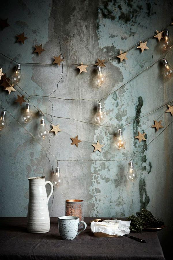 idée de déco de noël scandinave guirlande lumineuse mur