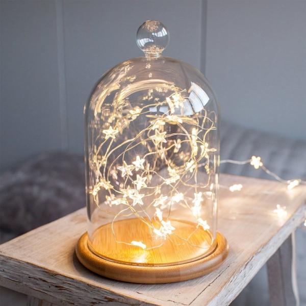 idée de déco de noël scandinave lampes led sous cloche