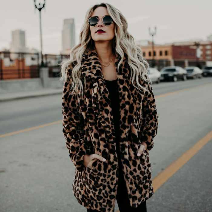 manteau en fausse fourrure imprimé léopard