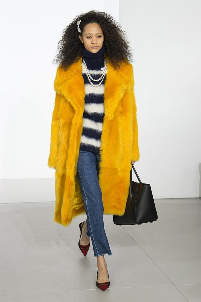 manteau en fausse fourrure jaune