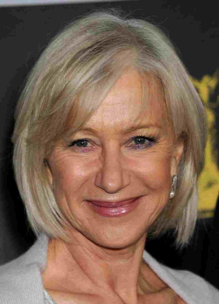 modèle de coiffure pour femme de 50 ans un raccourci blond