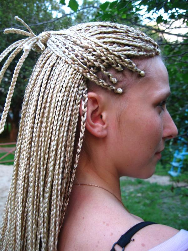 modèle de tresse africaine pour femme tresses blanches