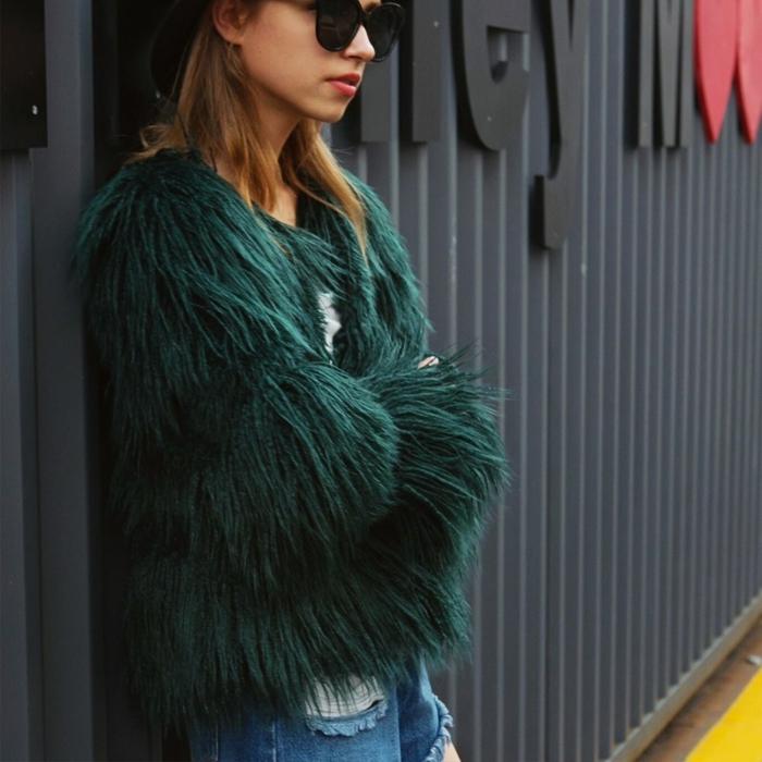 mode femme idée manteau en fausse fourrure vert