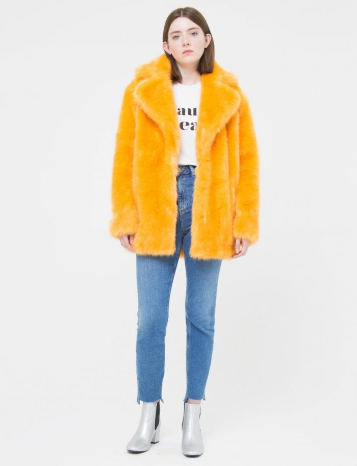 mode hiver manteau en fausse fourrure moutard