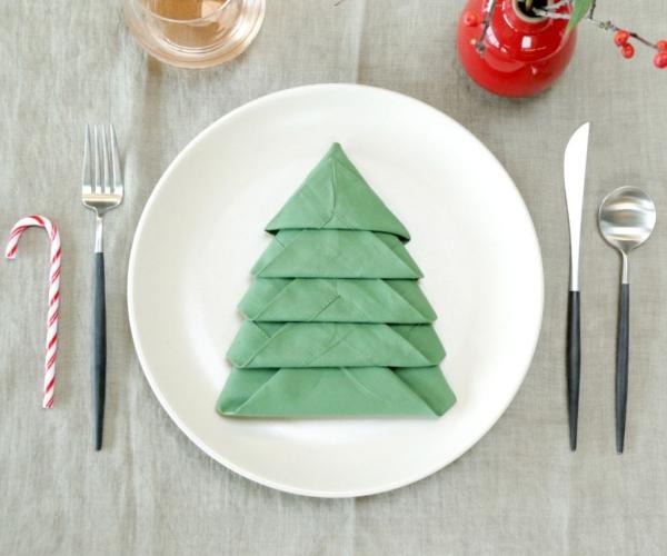 pliage serviette Noël tissu vert