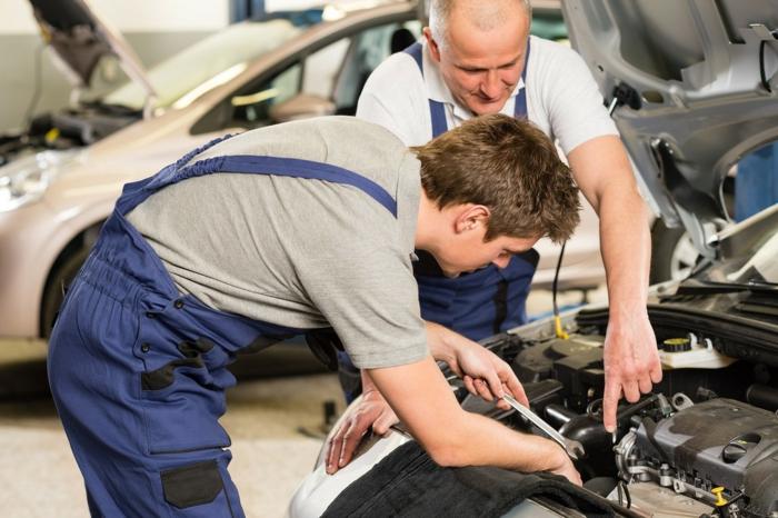 réparer la voiture diy