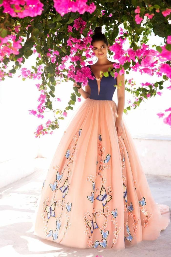 robe de soirée longue aux papillions