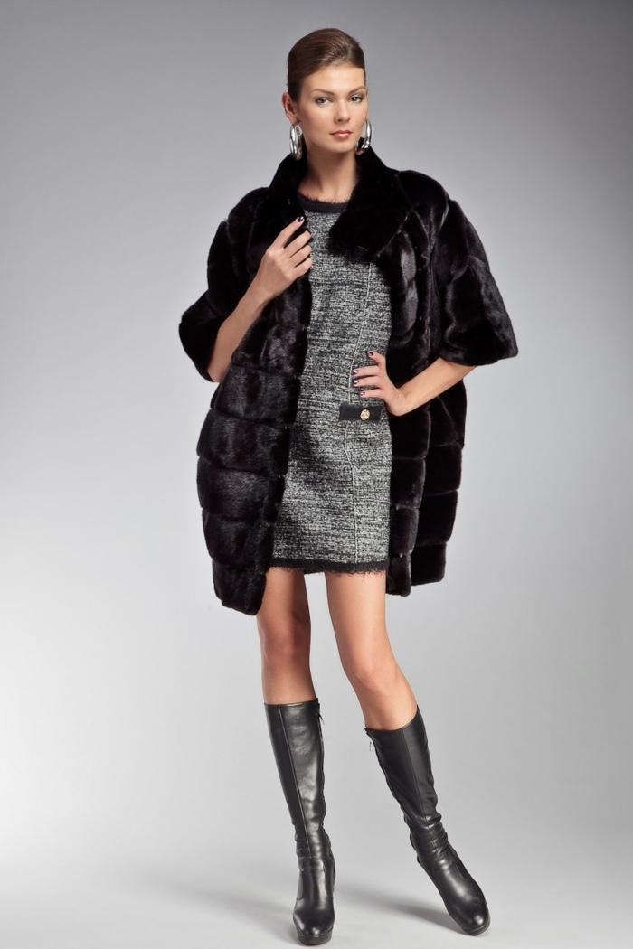 robe et manteau en fausse fourrure manches courtes