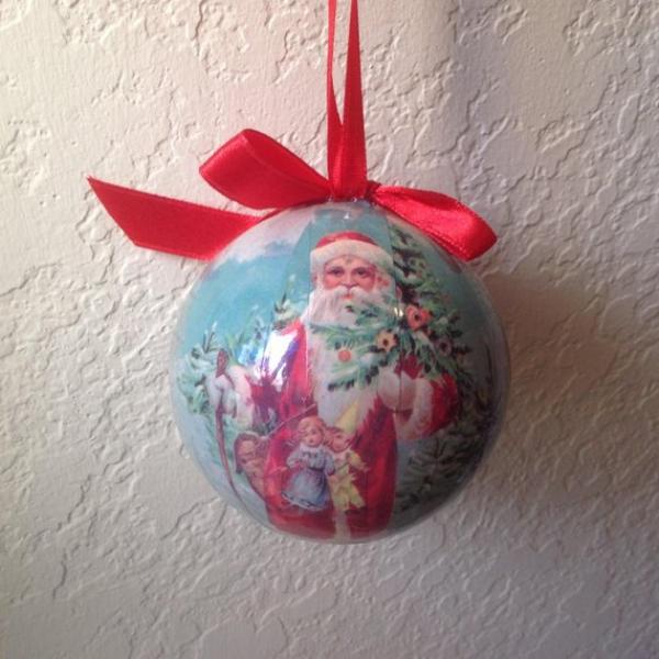 serviettage Noël une boule à accrocher