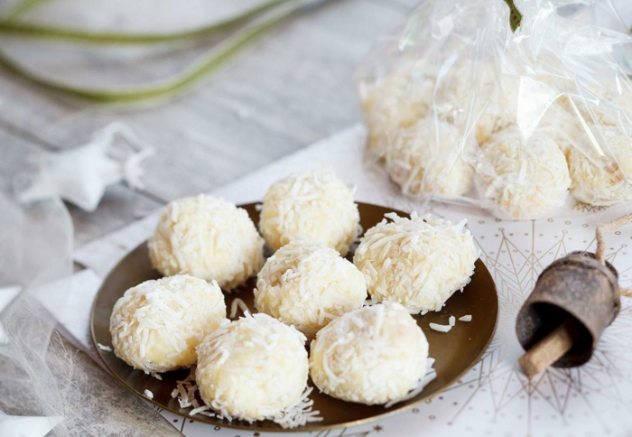 truffes au chocolat blanc et coco-resized