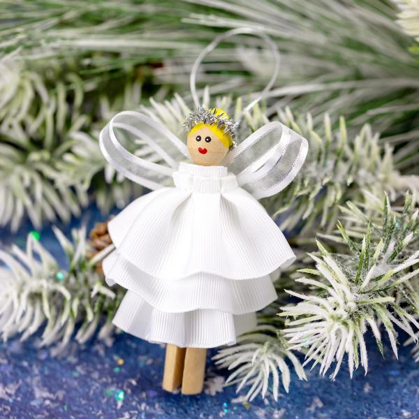 ange de Noël à fabriquer en papier gauffré