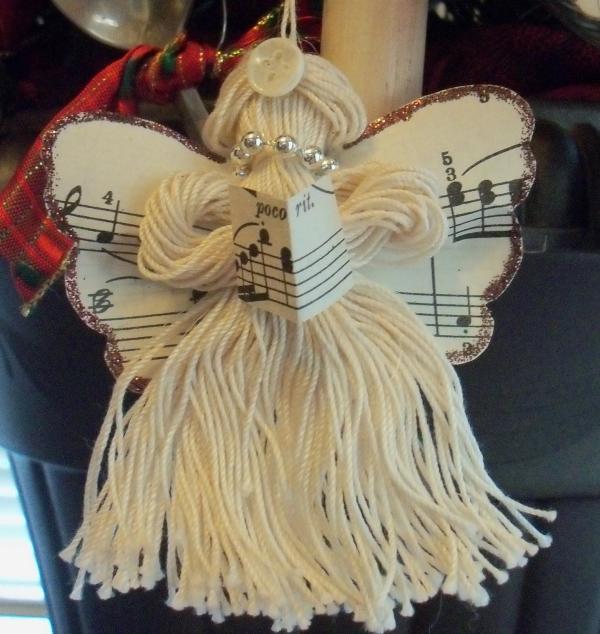 ange de Noël à fabriquer frange de fils