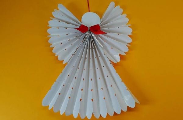 ange de Noël à fabriquer origami ange