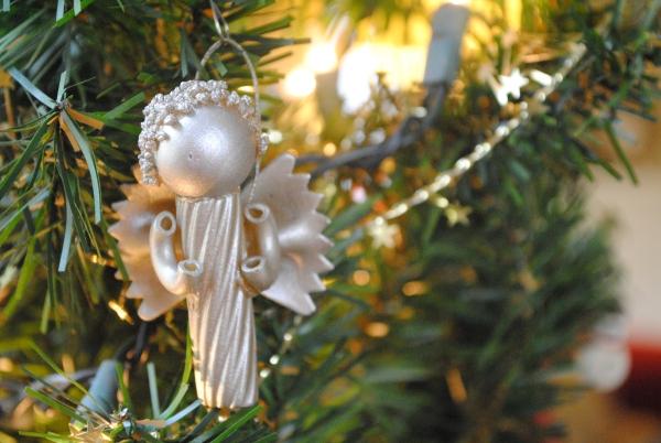 ange de Noël à fabriquer pâtes bronzées