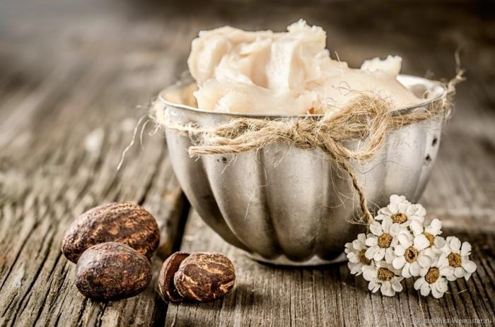 beurre de karité crème hydratante maison pour les mains