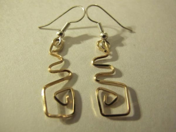 boucles d'oreilles fait main du fil carré en or