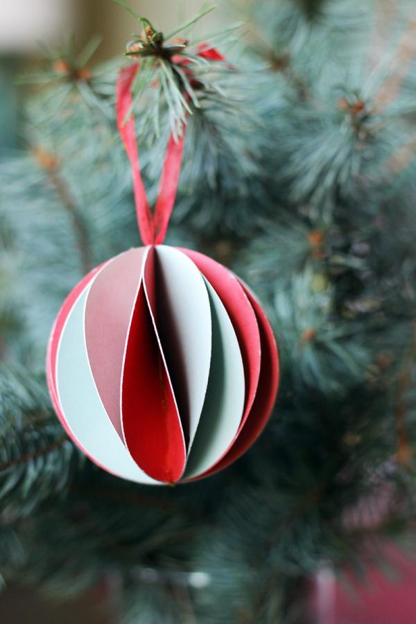 boule de Noël à fabriquer en carton