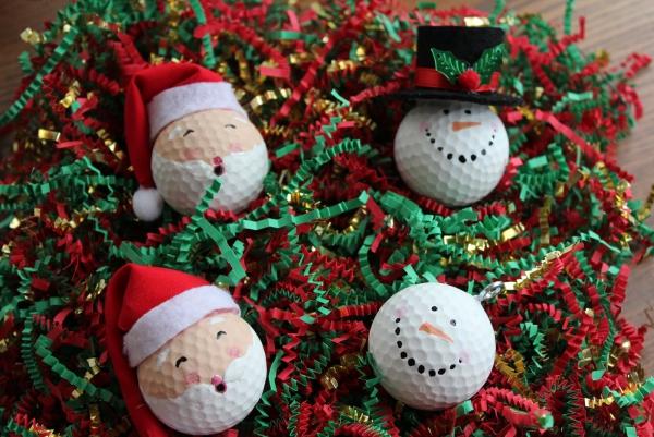 boule de Noël à fabriquer quelques boules de ping-pong