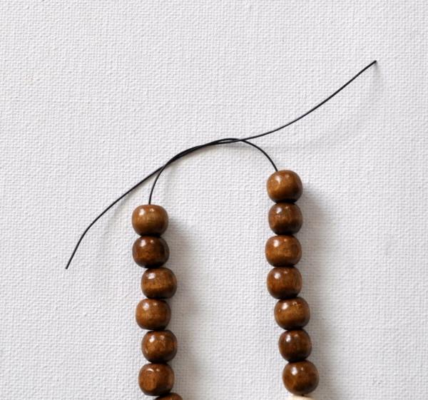 bracelet en bois bien lisse