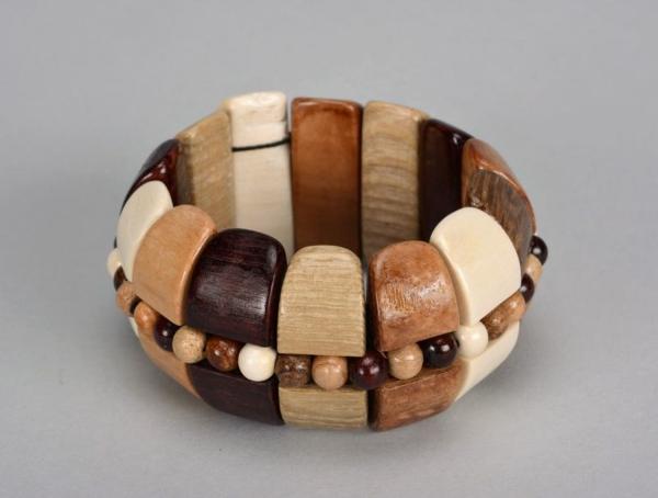 bracelet en bois fabrication compliquée
