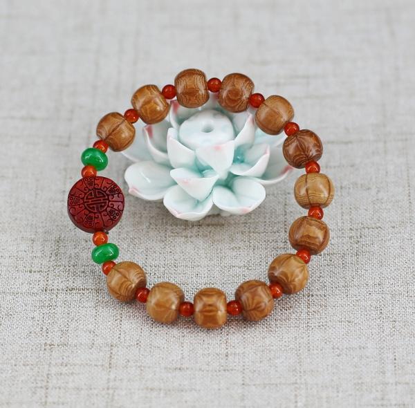 bracelet en bois perles en bois