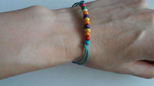 bracelet en bois pour protéger