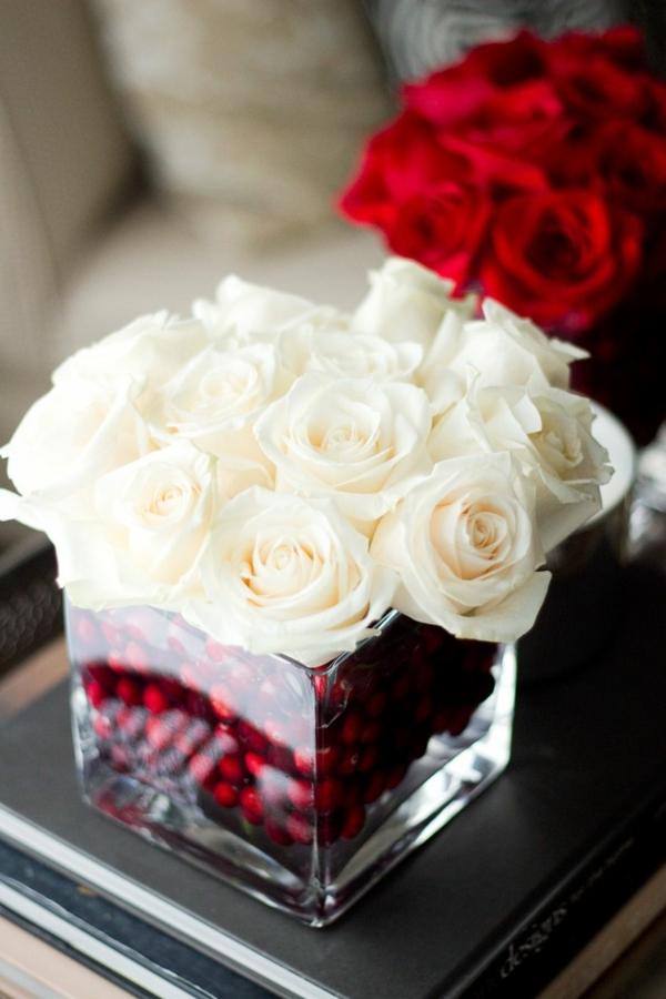 centre de table noël à faire soi-même baies roses