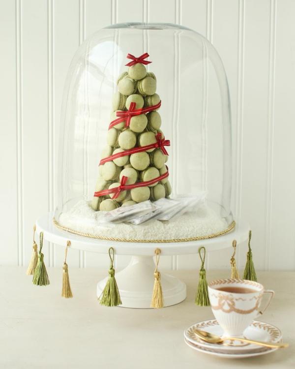 centre de table noël à faire soi-même support à gâteau macarons